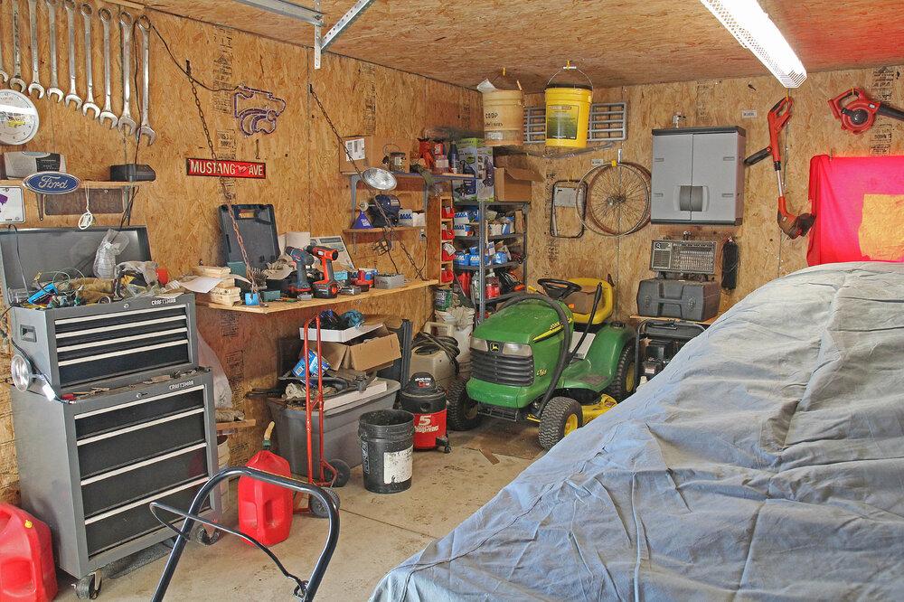 Garage_2590.jpg