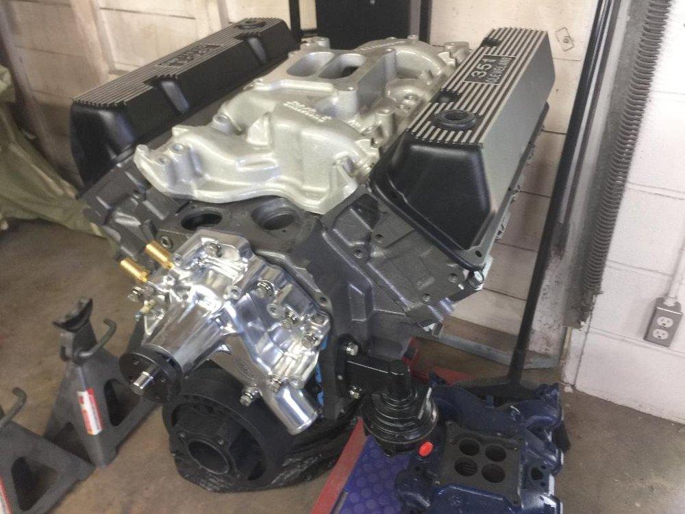 351 V4 Cleveland Engine.jpg